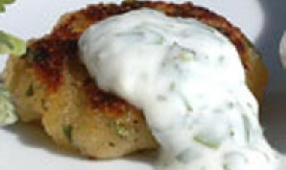 Сладкий картофель с йогуртом и кориандром