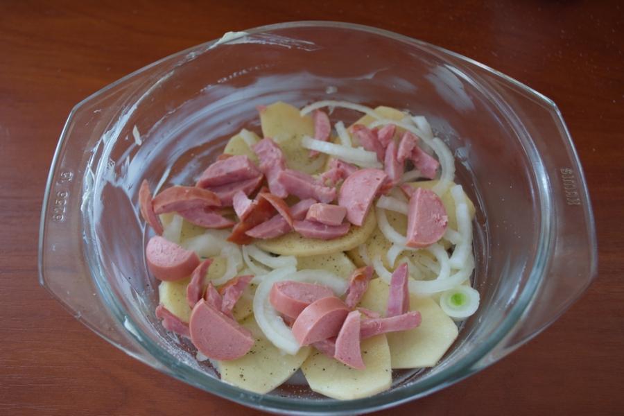 Запеканка с колбаской и сыром - фото шаг 5