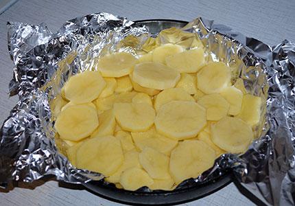 Рыба с картошкой в фольге - фото шаг 2