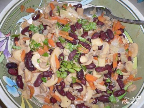 Салат с фасолью и опятами - фото шаг 6