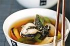 Прозрачный суп с мидиями