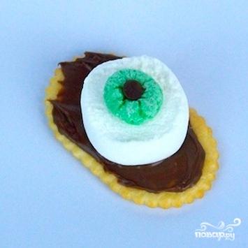 Сладкие глаза на Хэллоуин - фото шаг 4