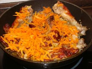 Тушеная курица с овощами - фото шаг 3