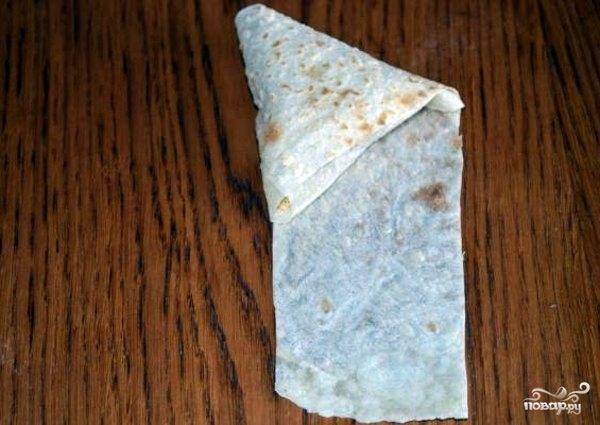 Треугольники из лаваша с сыром - фото шаг 4