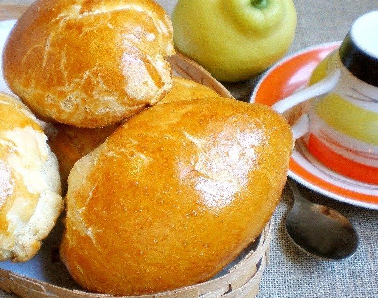 Пирожки с вареной сгущенкой