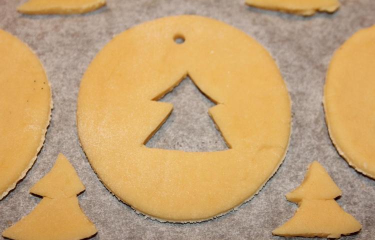 Новогоднее печенье на елку - фото шаг 5
