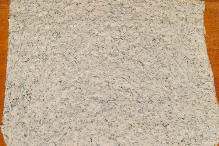 Лаваш, фаршированный красной рыбой - фото шаг 3
