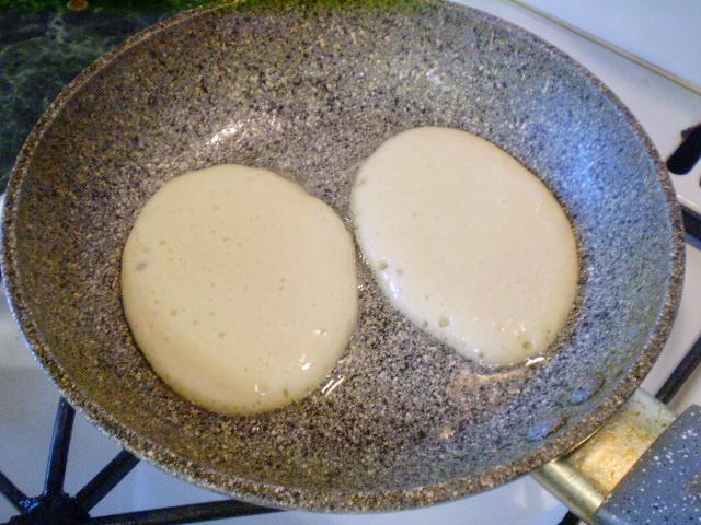 Оладушки из кислого кефира рецепт пышные