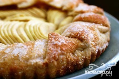 Яблочный пирог с сахарной глазурью