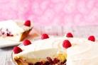 Пирог с малиной и ванильным кремом