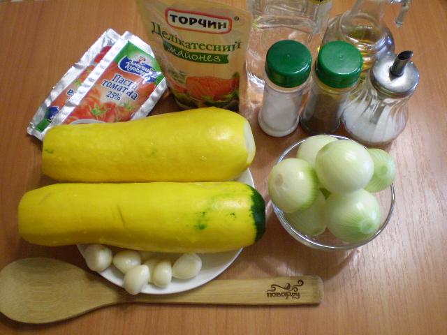 Рецепт Кабачковая икра с майонезом и луком