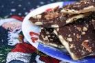 Крекеры с шоколадом и орехами