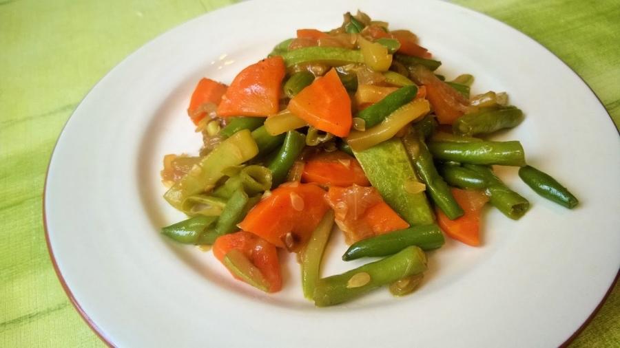 Тушеные овощи под соусом - фото шаг 5