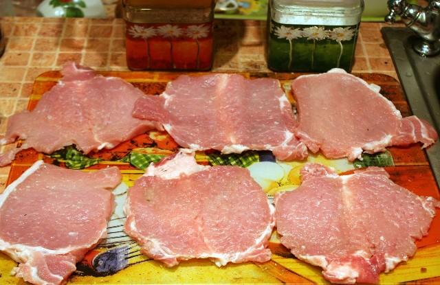 Рулетики из мяса в духовке - фото шаг 2