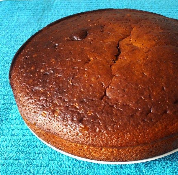 Бисквит со смородиновым вареньем - фото шаг 5