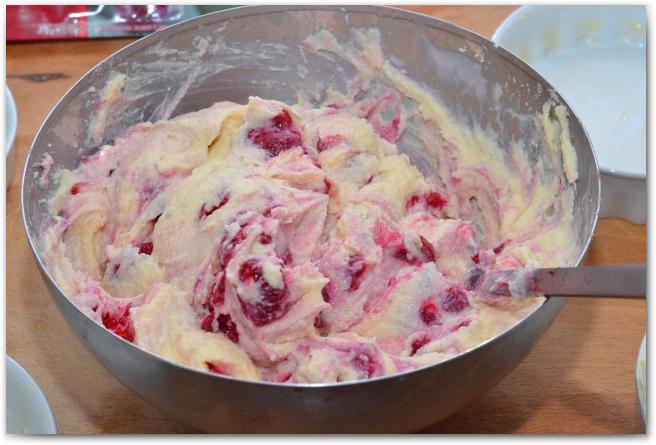 Творожник с ягодами - фото шаг 3