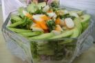 Салат из авокадо и крабовых палочек