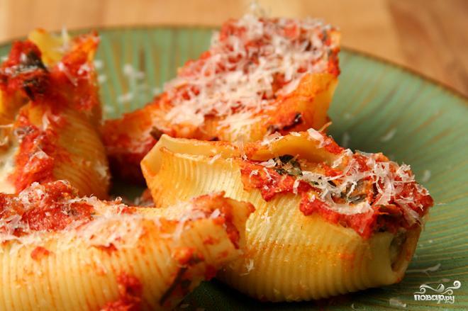 Паста, фаршированная колбасой и шпинатом - фото шаг 4