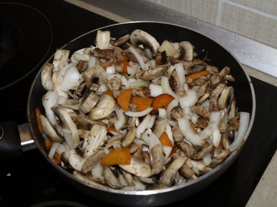 Рагу с мясом и грибами - фото шаг 4