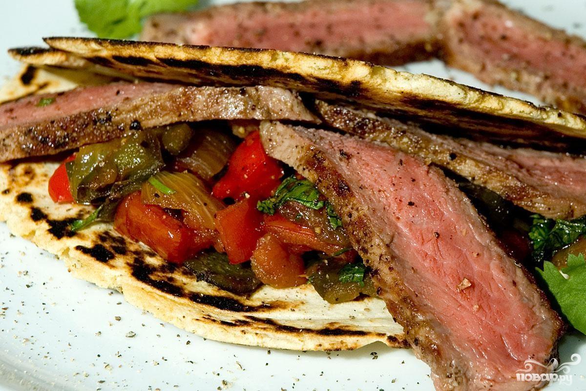 Рецепт Стейк из говядины с овощами