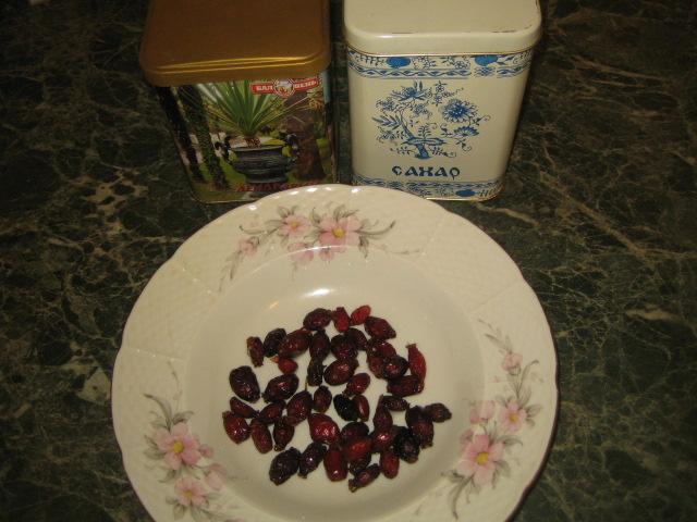 Рецепт Зеленый чай с шиповником