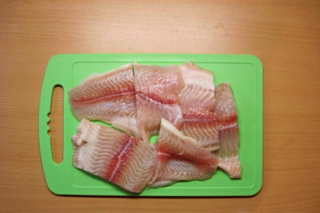 Пангасиус на сковороде - фото шаг 1