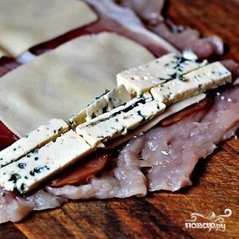 Куриные рулетики с ветчиной и сыром - фото шаг 3