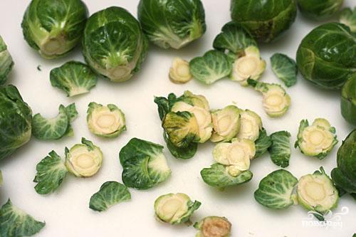 Паста с брюссельской капустой и кедровыми орешками - фото шаг 2