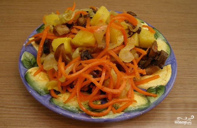 Салаты с грибами и корейской морковью и курицей