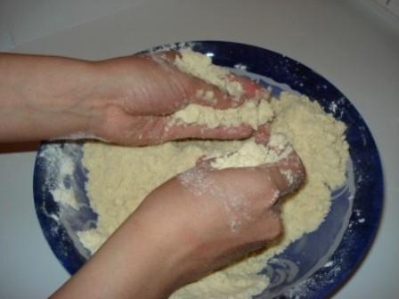 Тесто без яиц - фото шаг 2