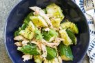 Салат с огурцами и куриным мясом