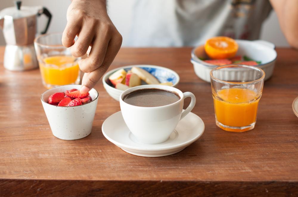 Потребление пищи из маленьких тарелок