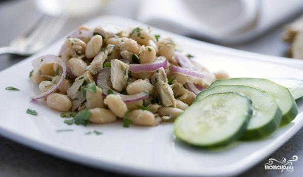 Рецепт Простой салат с фасолью консервированной