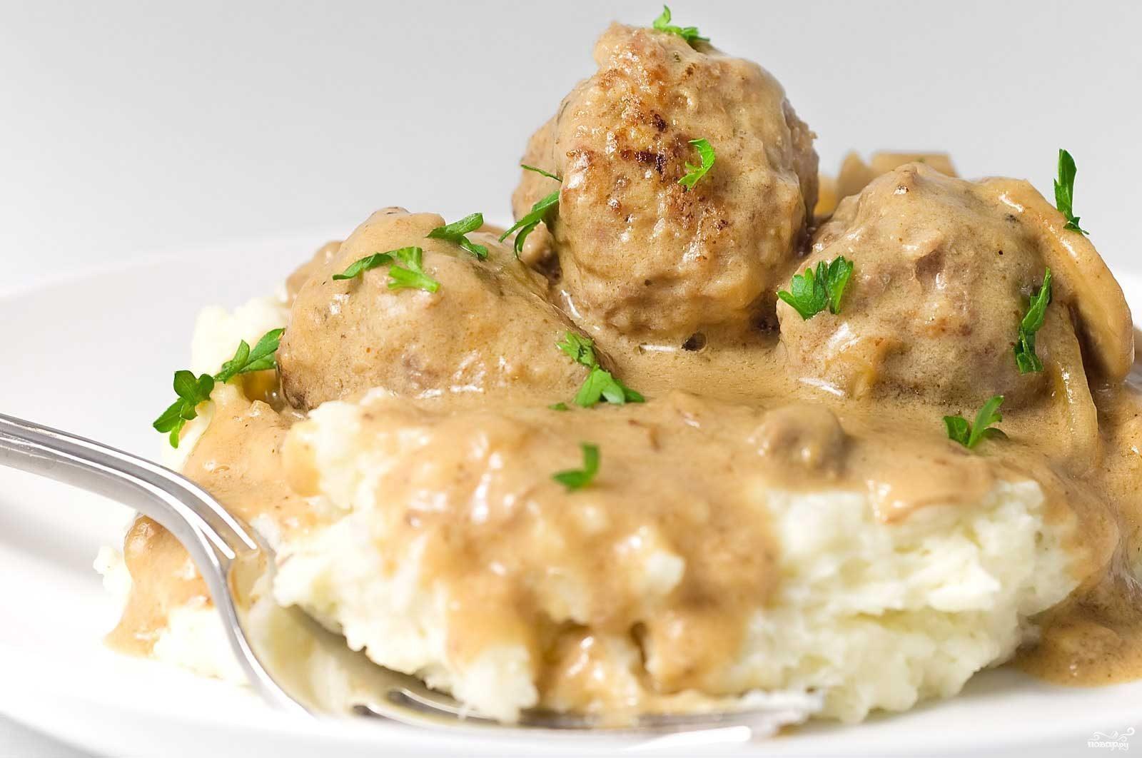 Рецепт Тефтели в сметанном соусе