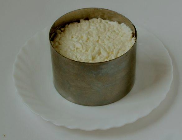 """Салат """"Нежность"""" с сыром - фото шаг 7"""
