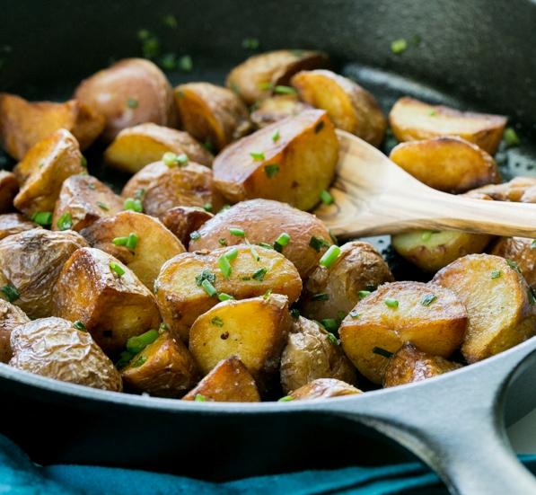 Молодой картофель обжаренный - фото шаг 6
