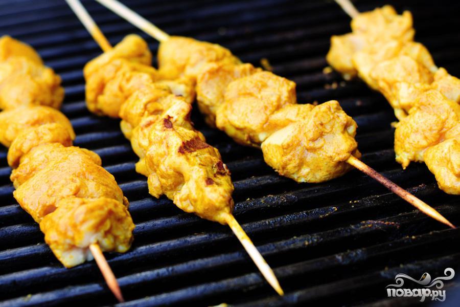 Куриные шашлычки с арахисовым соусом - фото шаг 5
