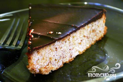 Ореховый пирог с шоколадной глазурью