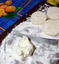 Творожники на сковороде - фото шаг 4