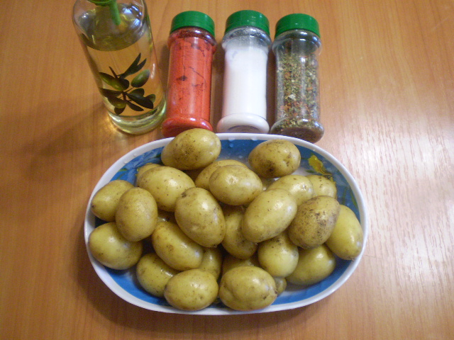 Рецепт Картофель кусочками в духовке
