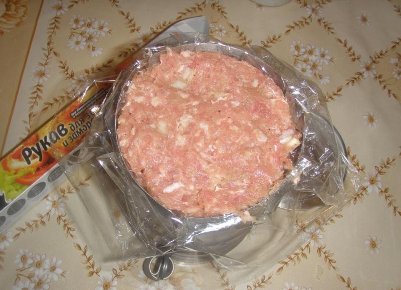 Рецепт салата с корейской морковью огурцом и колбасой