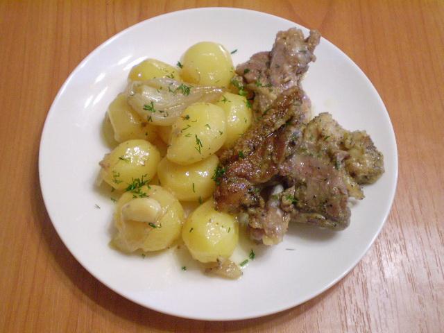 Утка в духовке с картофелем - фото шаг 7