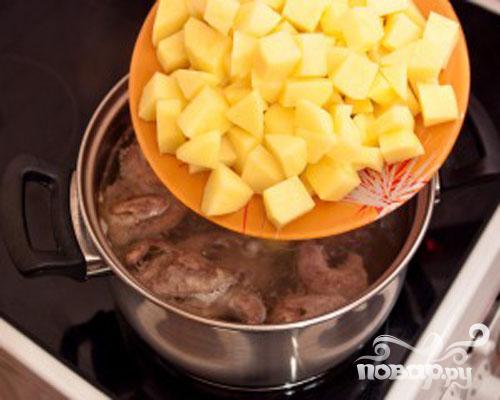 Суп с перепелами, брюсельской капустой и картофелем - фото шаг 3
