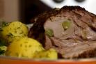 Свиная шейка, запечённая в рукаве с чесноком и приправами в духовке