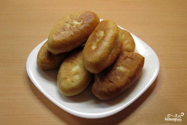 Пирожки с сайрой и рисом