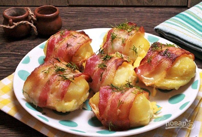рецепт мяса с беконом в духовке