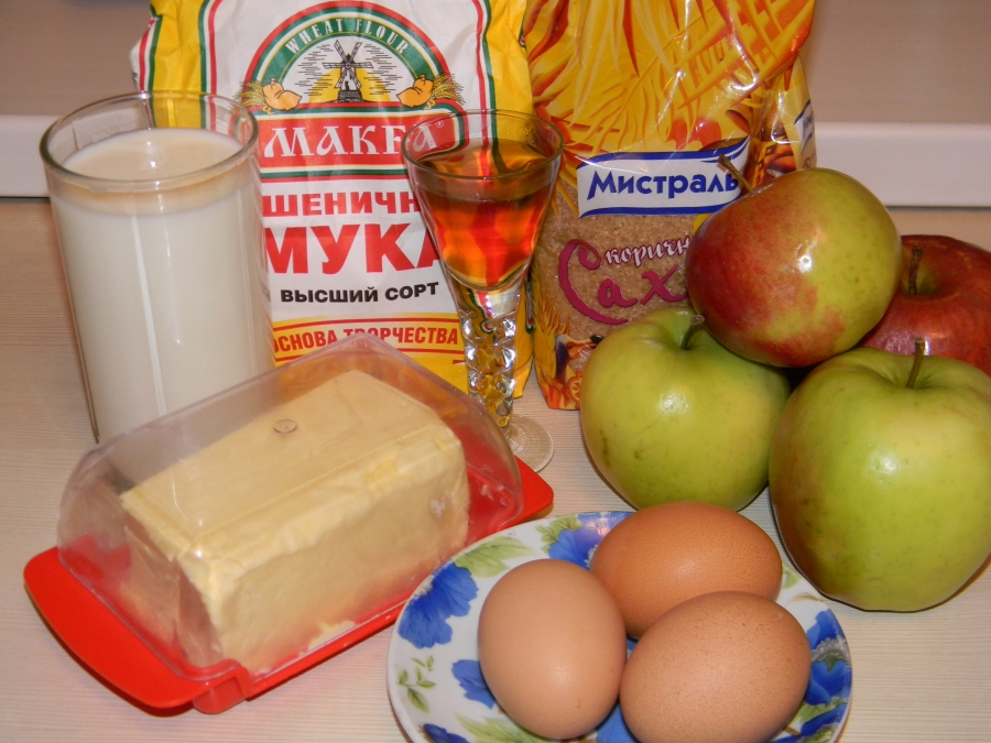 Блинчики с яблочной начинкой - фото шаг 1