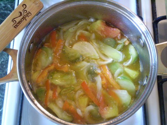 Салат из зеленых помидоров на зиму - фото шаг 5