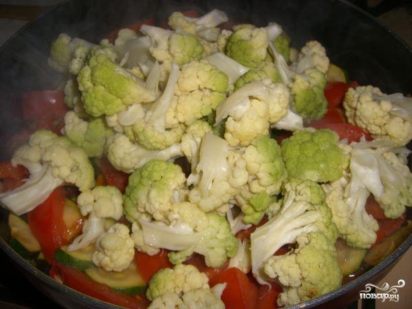 Цветная капуста в сливочном соусе с овощами - фото шаг 5