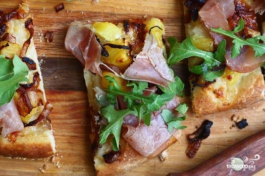 Пицца с ананасами - фото шаг 6